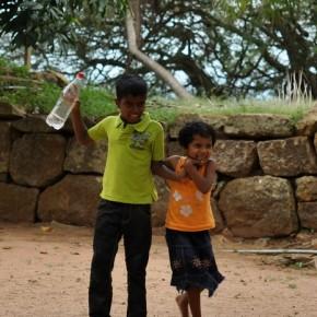 Srílančané (64)